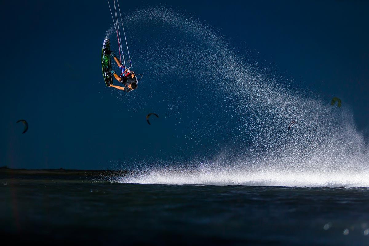 """Offerte Lavoro Fotografo Bergamo andre magarao: """"cerco di catturare l'unicità del kitesurf"""